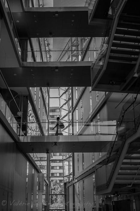 Valerie Jardin Photography ~ Minimalist Street Photography-4
