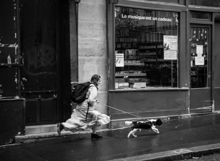 valerie Jardin Photography - pets in street photography-23