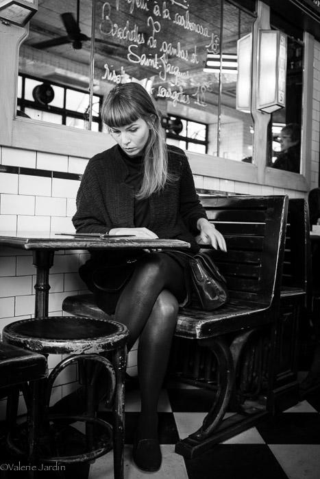 valerie Jardin - La Femme au Cafe-1