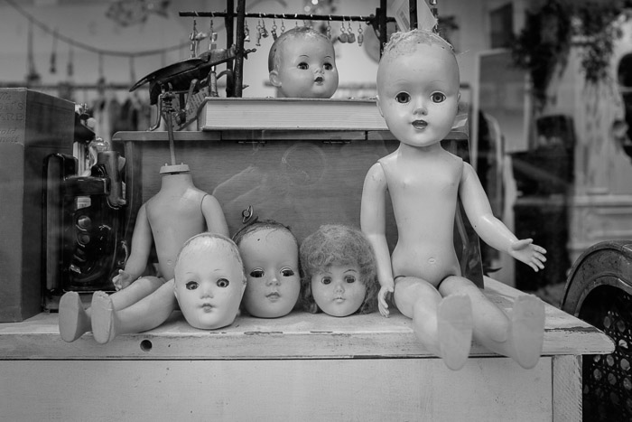 Creepy dolls ©Valerie Jardin