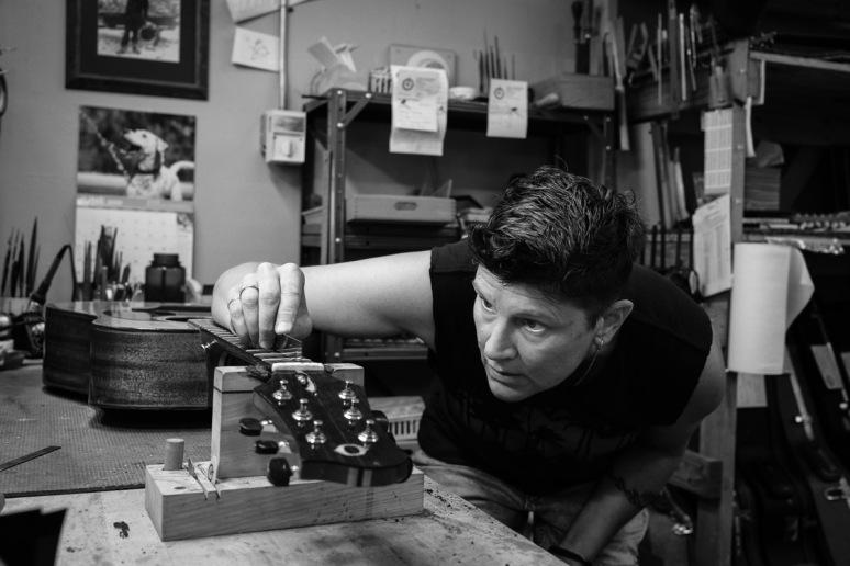 ©Valérie Jardin - St Paul guitar repair -16
