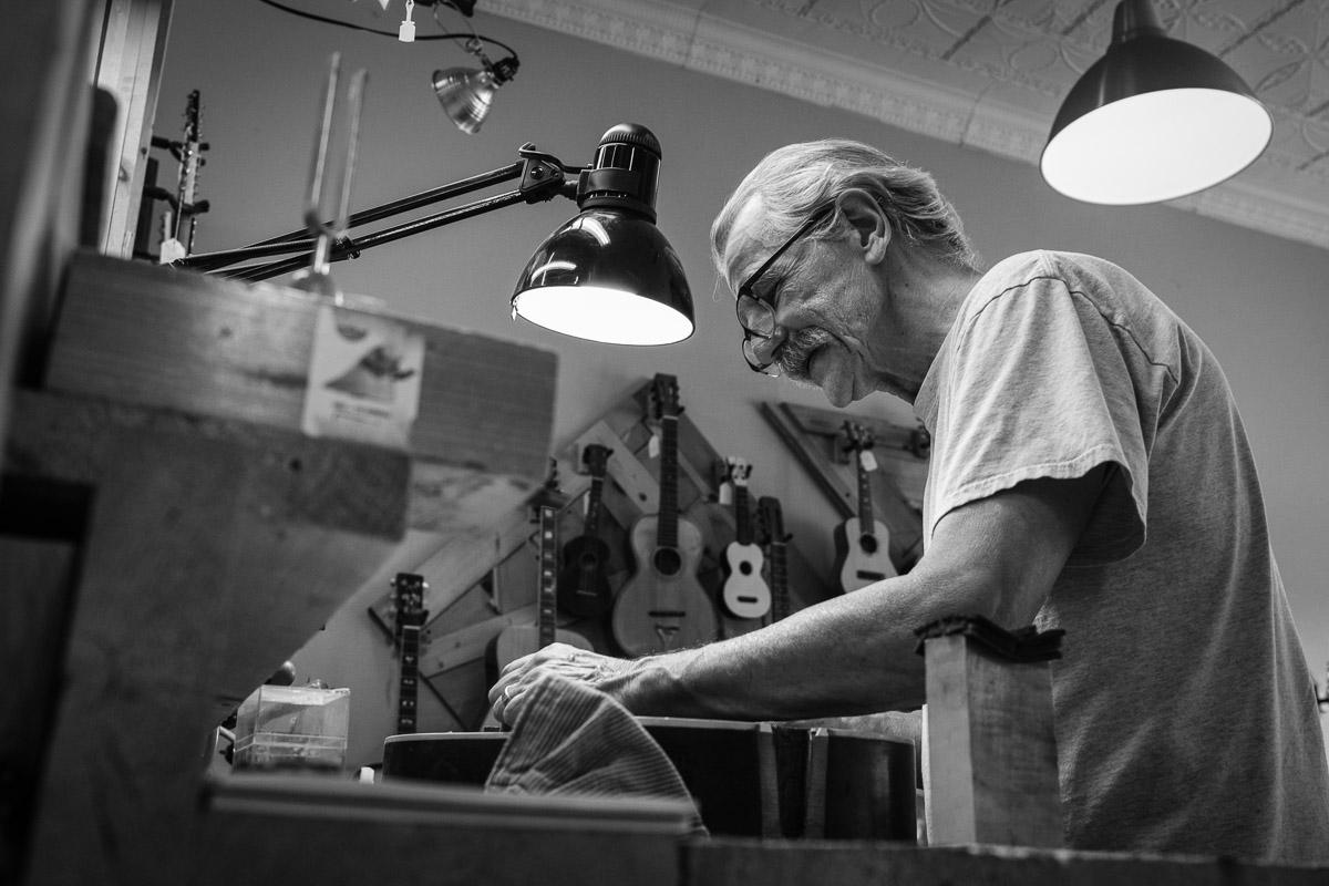 ©Valérie Jardin - St Paul guitar repair -20