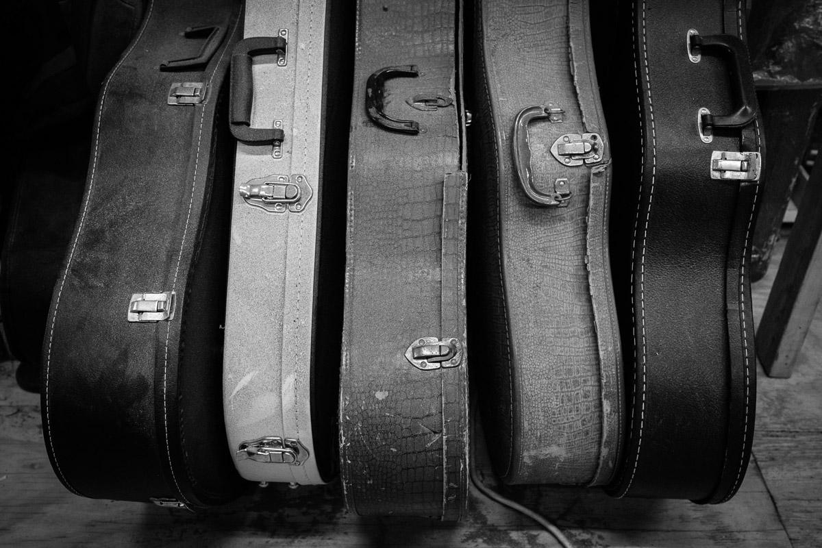 ©Valérie Jardin - St Paul guitar repair -27