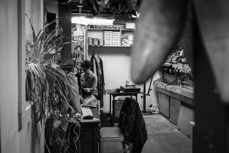 ©Valérie Jardin - Shoe Maker-6