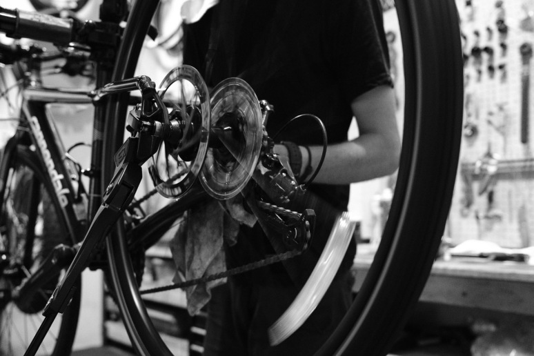 ©Valérie Jardin - Tangletown bike shop-1