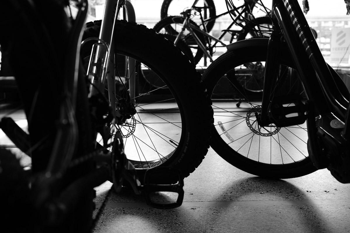 ©Valérie Jardin - Tangletown bike shop-12