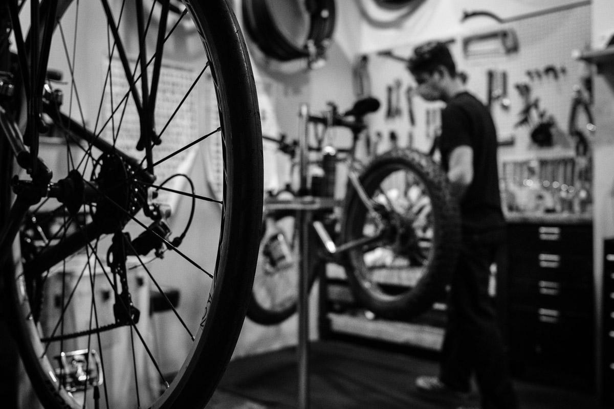 ©Valérie Jardin - Tangletown bike shop-5