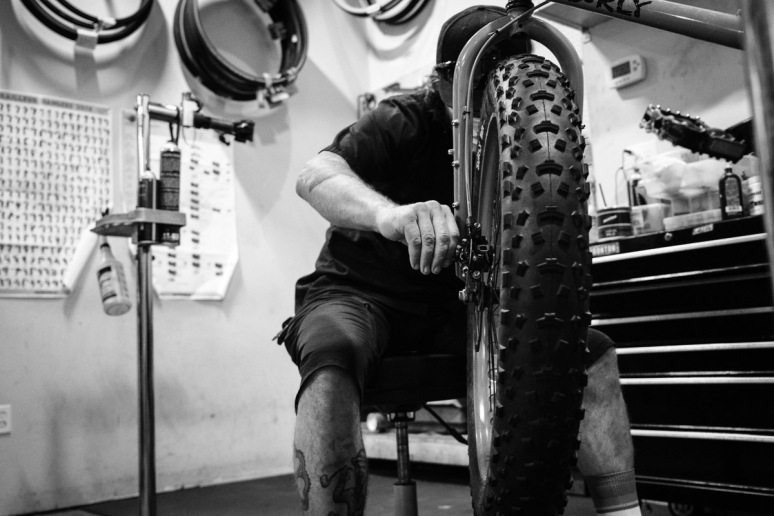 ©Valérie Jardin - Tangletown bike shop-8