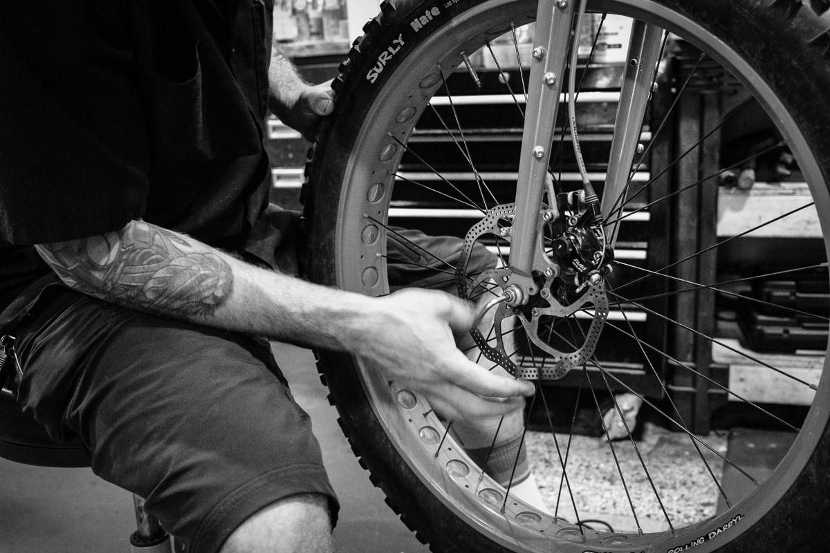 ©Valérie Jardin - Tangletown bike shop-9